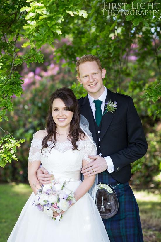 Weddings dress, wedding couple, wedding flowers, Dundas Castle wedding photography. Edinburgh wedding photography by First Light Photography
