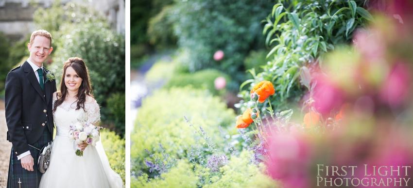 wedding flowers, wedding couple, Dundas Castle wedding photography. Edinburgh wedding photography by First Light Photography