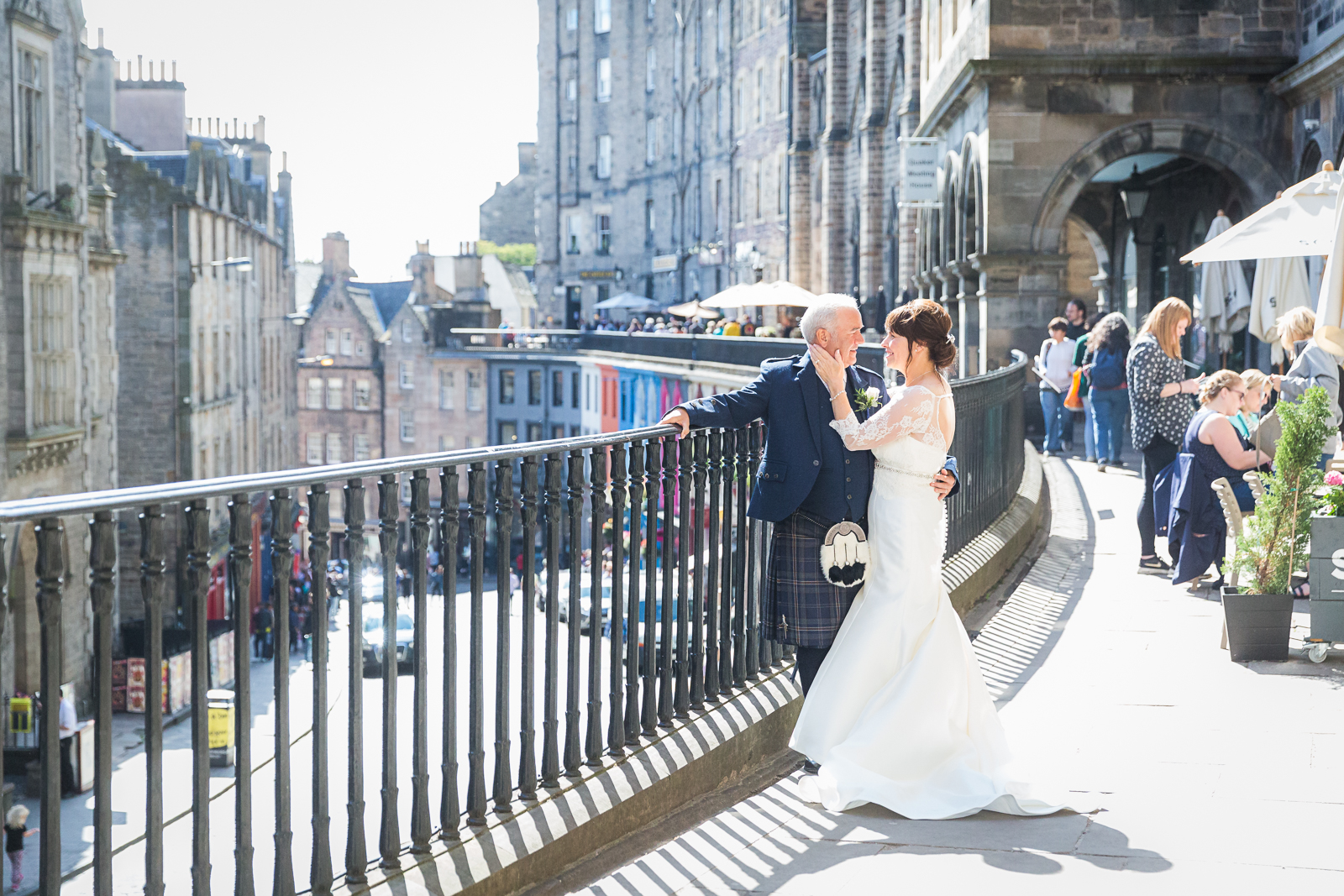Signet Library Summer Wedding – Alison and John